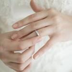 結婚指輪を金属アレルギーの方が選ぶならどの素材が良いか