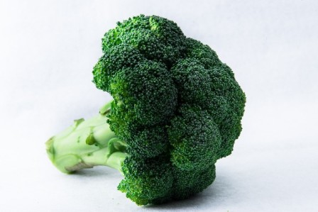 ビタミンやミネラルを含むアブラナ科の野菜