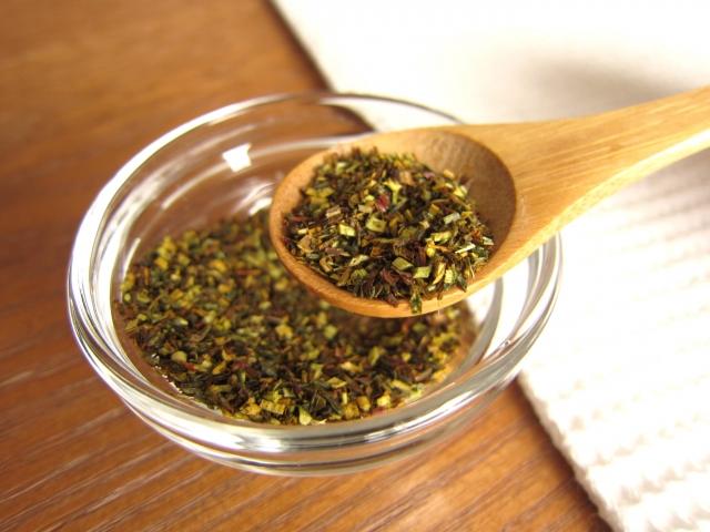 ルイボスティーはノンカフェインで体に優しいお茶です